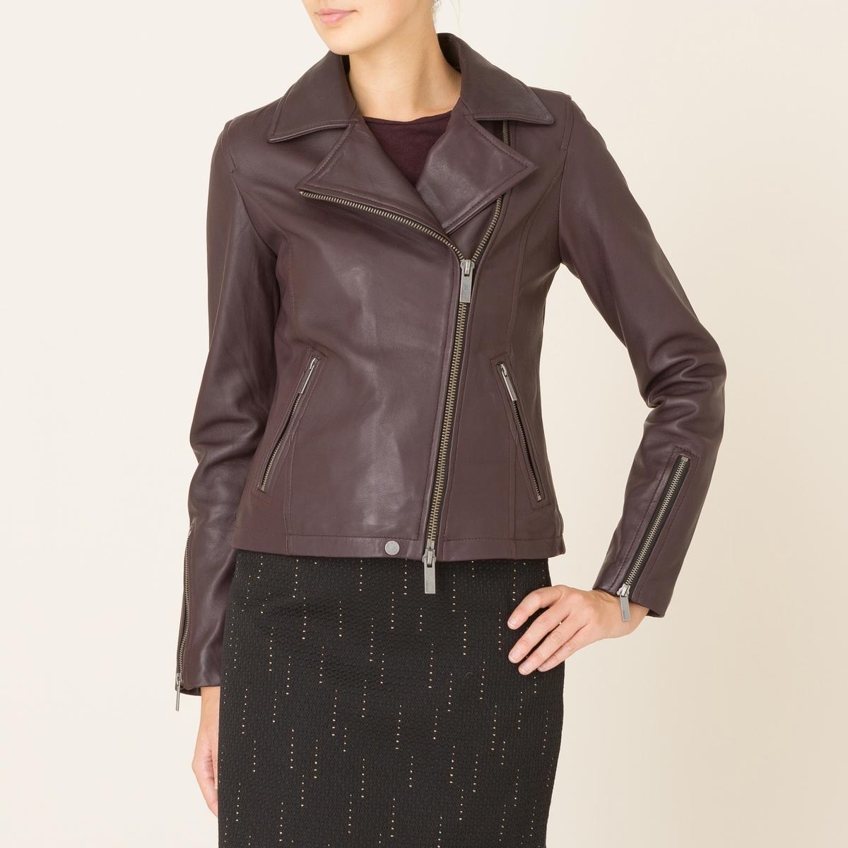 Куртка кожаная JULYКожаная куртка OAKWOOD - модель JULY. В стиле рок. Воротник с отворотами на кнопках. Асимметричный низ спереди, рукава и карманы на молнии. Декоративные швы с загнутыми кромками и на рукавах.Состав и описание Материал : 100% кожа ягненкаМарка : OAKWOOD<br><br>Цвет: бордовый,черный<br>Размер: S.L