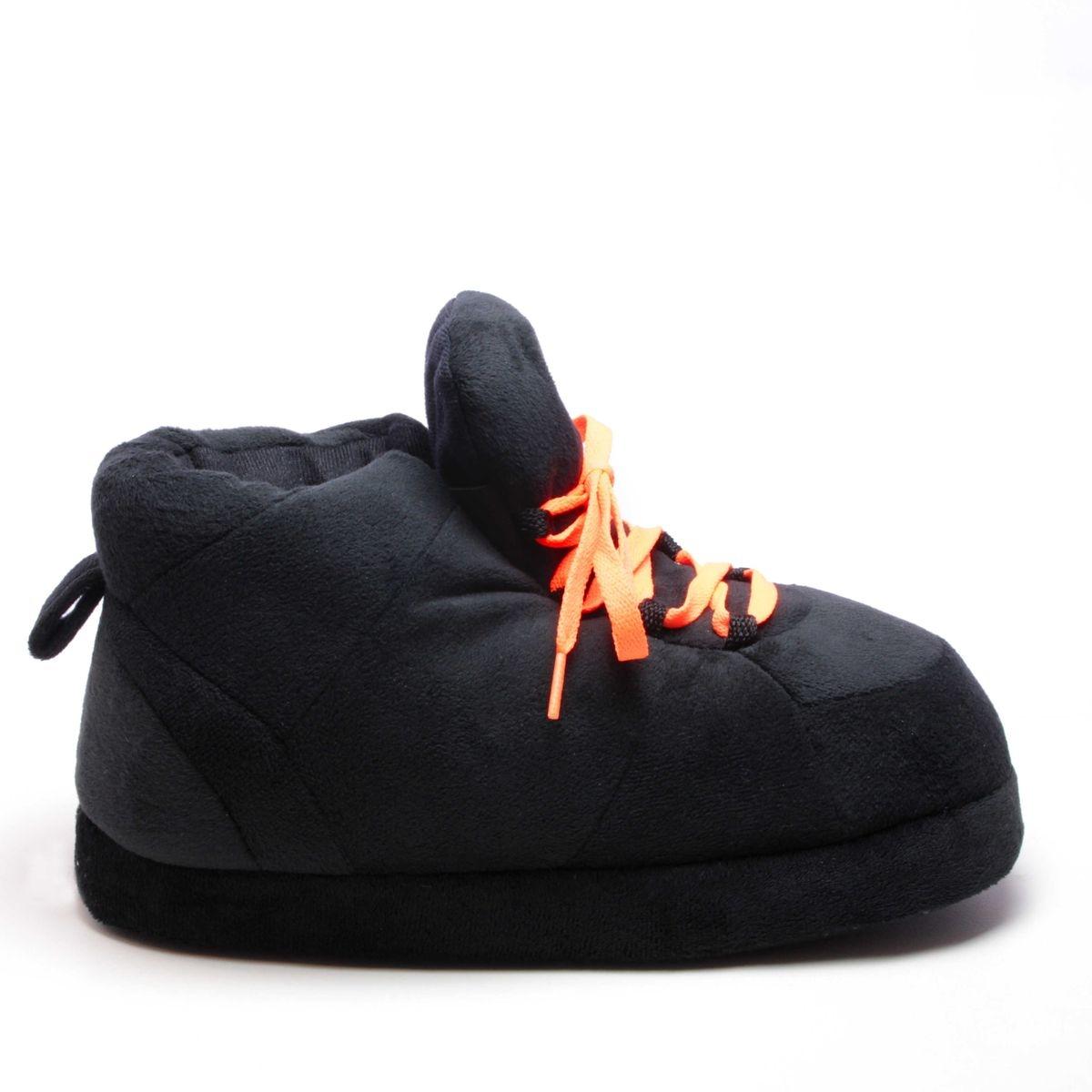Chaussons style basket noir, lacet noir