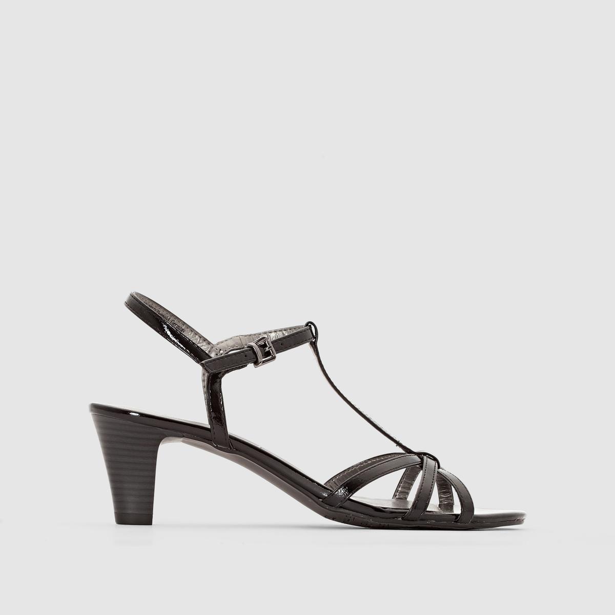 Босоножки на каблуке, лакированныеЖенственные босоножки с тонкими перекрещенными ремешками сверху  .<br><br>Цвет: черный<br>Размер: 39