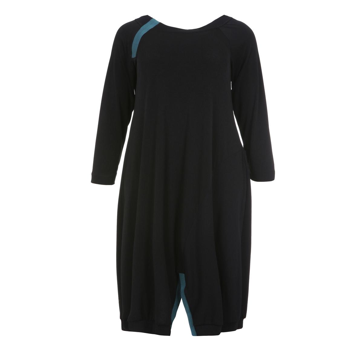 Платье-туникаТуника из мягкого материала с контрастными вставками и асимметричным низом . Длинные рукава. Закругленный вырез.<br><br>Цвет: черный