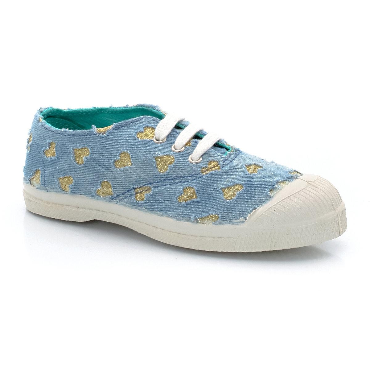 Кеды низкие BENSIMON TENNIS GLITTER LOVEКеды низкие на шнуровке, TENNIS GLITTER LOVE от BENSIMON. Верх  : хлопок. Подкладка  : текстиль. Стелька  : текстиль. Подошва  : каучук.  Застежка  : шнуровка. Уже на протяжении 25 лет Bensimon радует нас простыми и эффектными, практичными и не выходящими из моды кедами, выполненными из легких и натуральных материалов. Кеды модели GLITTER LOVE покоряют сердца детей, и мы по-прежнему доверяем Bensimon !<br><br>Цвет: наб. рисунок синий<br>Размер: 29
