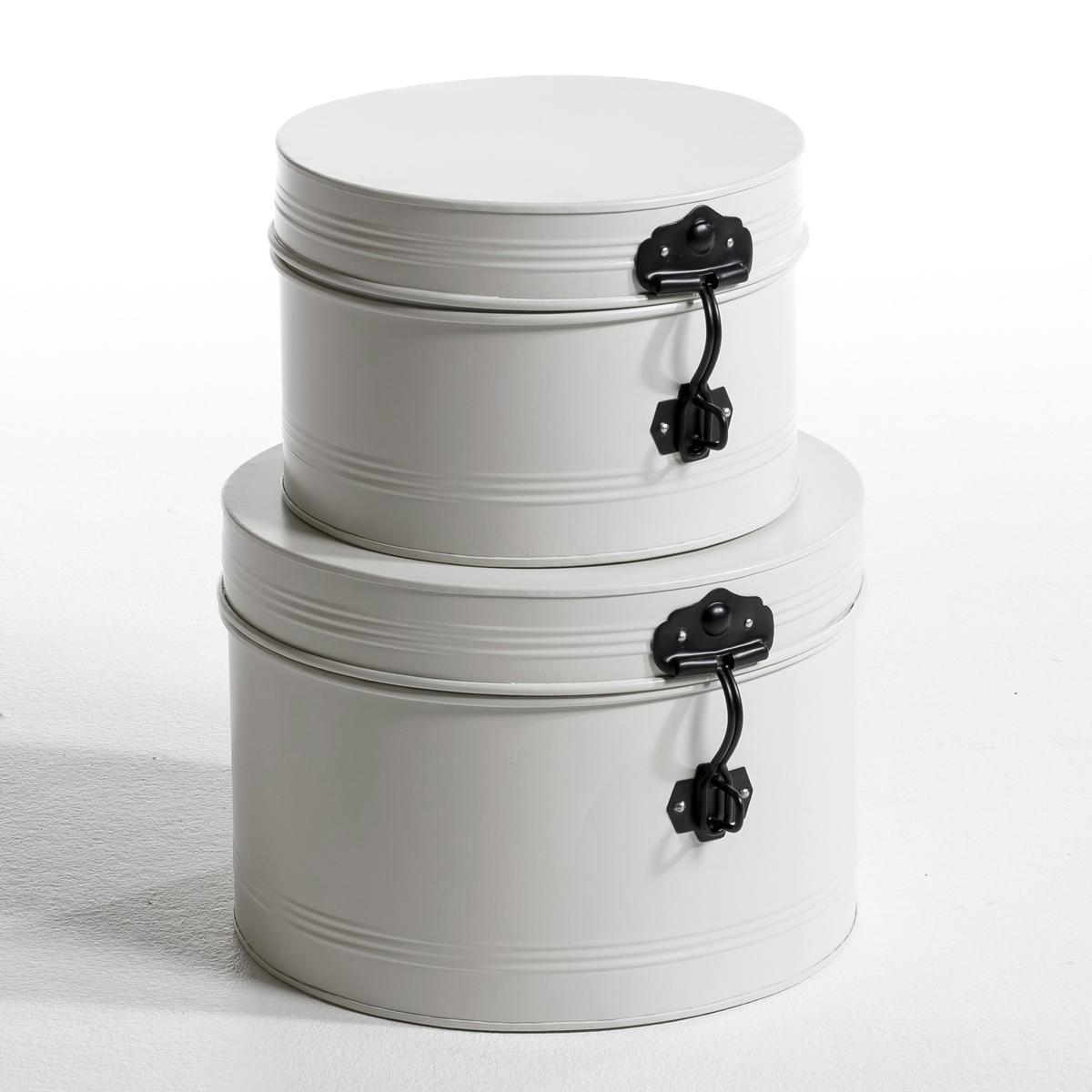 Круглые коробки , 2 штКоробки для шляп, 2 шт, складные. На защёлке. Металл, лакированное покрытие. Маленькая: ? 26 x В. 16,5 см, большая: ? 32 x В. 22 см.<br><br>Цвет: белый<br>Размер: комплект из 2