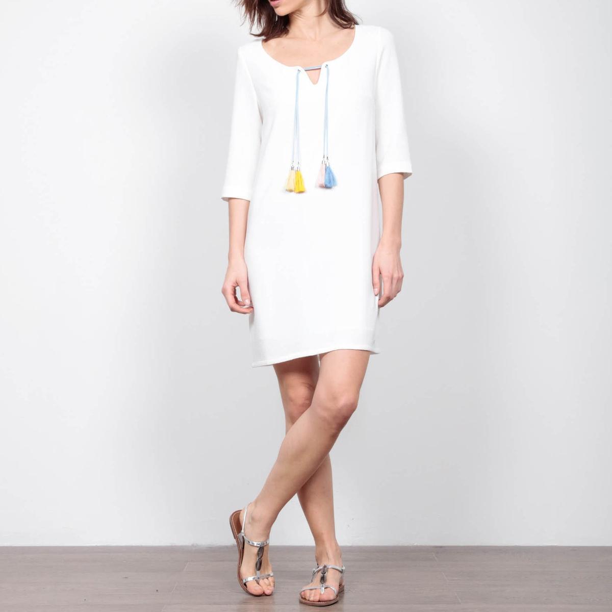 Платье с рукавами 3/4, круглый вырез с разрезом спередиМатериал : 100% полиэстер  Длина рукава : короткие рукава  Форма воротника : V-образный вырез Покрой платья : расклешенное платье Рисунок : однотонная модель   Длина платья : короткое<br><br>Цвет: белый