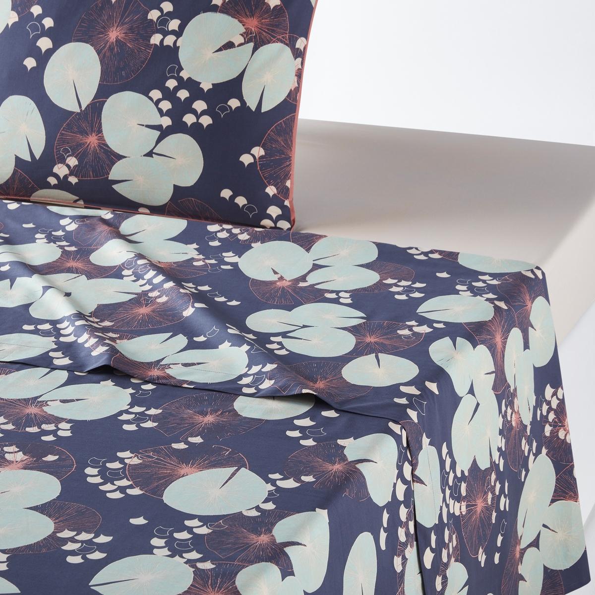 Простыня гладкая с рисунком из перкали JARDIN D'EAUОписание:Погрузитесь в мир снов в атмосфере дзен, гладкая простыня Jardin d'Eau с рисунком из кувшинок на темно-синем фоне.Характеристики гладкой простыниt Jardind'eau :Качество Qualit? Best.Перкаль, 100% хлопок, 80 нитей/см? : чем больше количество нитей/см?, тем выше качество ткани.Стойкая и легкая в уходе хлопковая перкаль из тонких нитей с длинными волокнами чесаного хлопка.Простыня с рисунком из кувшинок на темно-синем фоне.Машинная стирка при 60° и барабанная сушка.Размеры гладкой простыни Jardind'eau : 90 x 190 см : 1-сп.140 x 190 см : 2-сп.160 x 200 см : 2-сп.180 x 200 см : 2-сп.Откройте для себя всю коллекцию Jardind'eau на сайте laredoute. В любое время года добавьте индивидуальности, сочетая коллекцию Jardin deau с нашей коллекцией однотонного постельного белья из перкали!Знак Oeko-Tex® гарантирует, что товары прошли проверку и были изготовлены без применения вредных для здоровья человека веществ.<br><br>Цвет: рисунок темно-синий