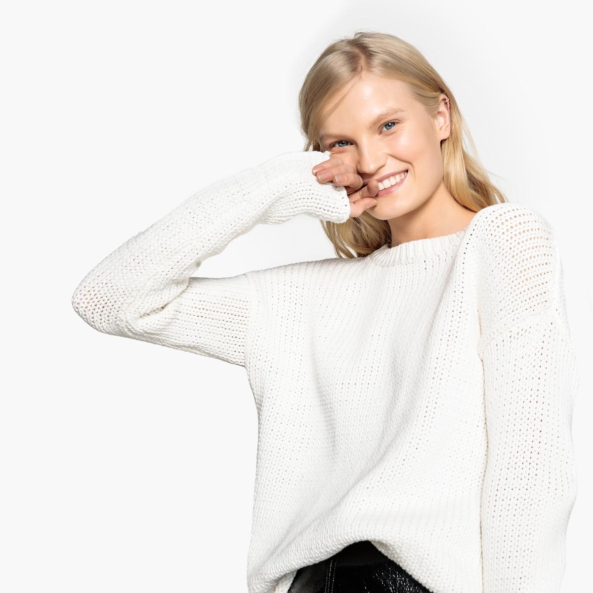 Sweter z grubej dzianiny z dekoltem w łódkę