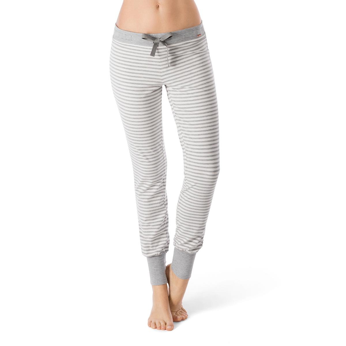 Брюки пижамные  Sleep &amp; DreamБрюки пижамные из джерси Sleep Dream от Skiny. Брюки в полоску с завязками в кулиске на поясе. Отделка низа брючин в рубчик с отворотами. Эластичный пояс. Состав и описание :Основной материал : 95% хлопка, 5% эластанаМарка : SkinyУходМашинная стирка при 30 °CСтирать вместе с одеждой подобных цветов<br><br>Цвет: экрю/серый<br>Размер: 36 (FR) - 42 (RUS)
