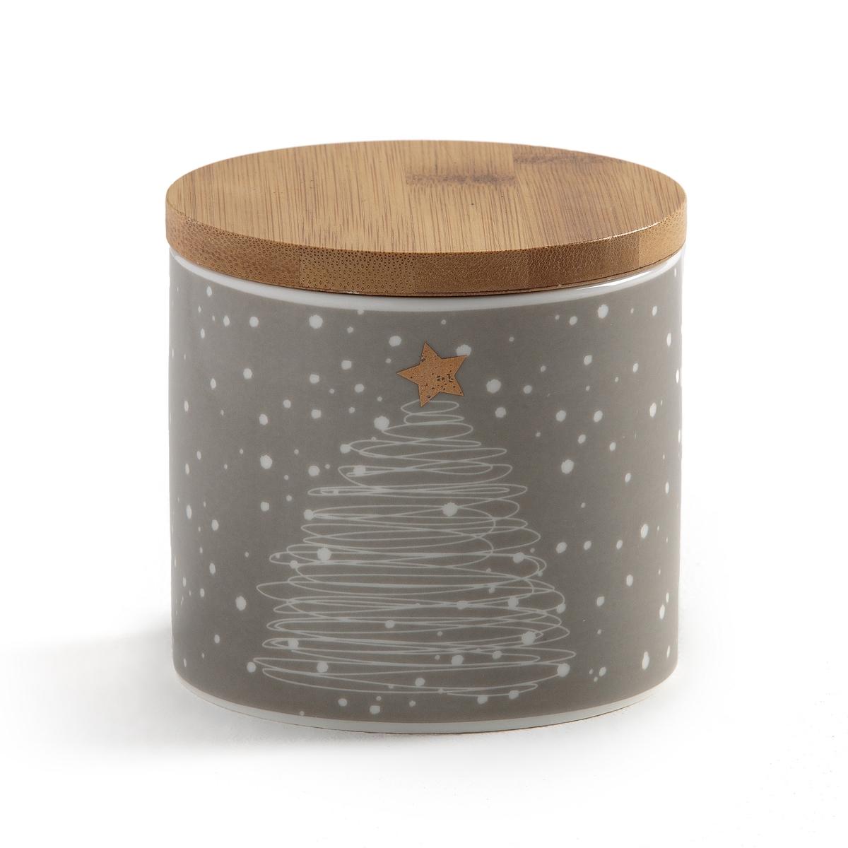 Коробка для хранения с новогодним рисунком STRADOОписание:Практичная и красивая коробка для хранения Strado добавит «новогоднего волшебства» для украшения праздника. Продается в подарочной упаковке.Характеристики коробки для хранения Strado :Из фарфора с крышкой из бамбука.Рисунок елка с белым снегом.Размеры коробки для хранения Strado :Диаметр : 10 см Высота : 9,5 смВсю коллекцию Strado вы можете найти на сайте laredoute.ru<br><br>Цвет: серо-коричневый/белый