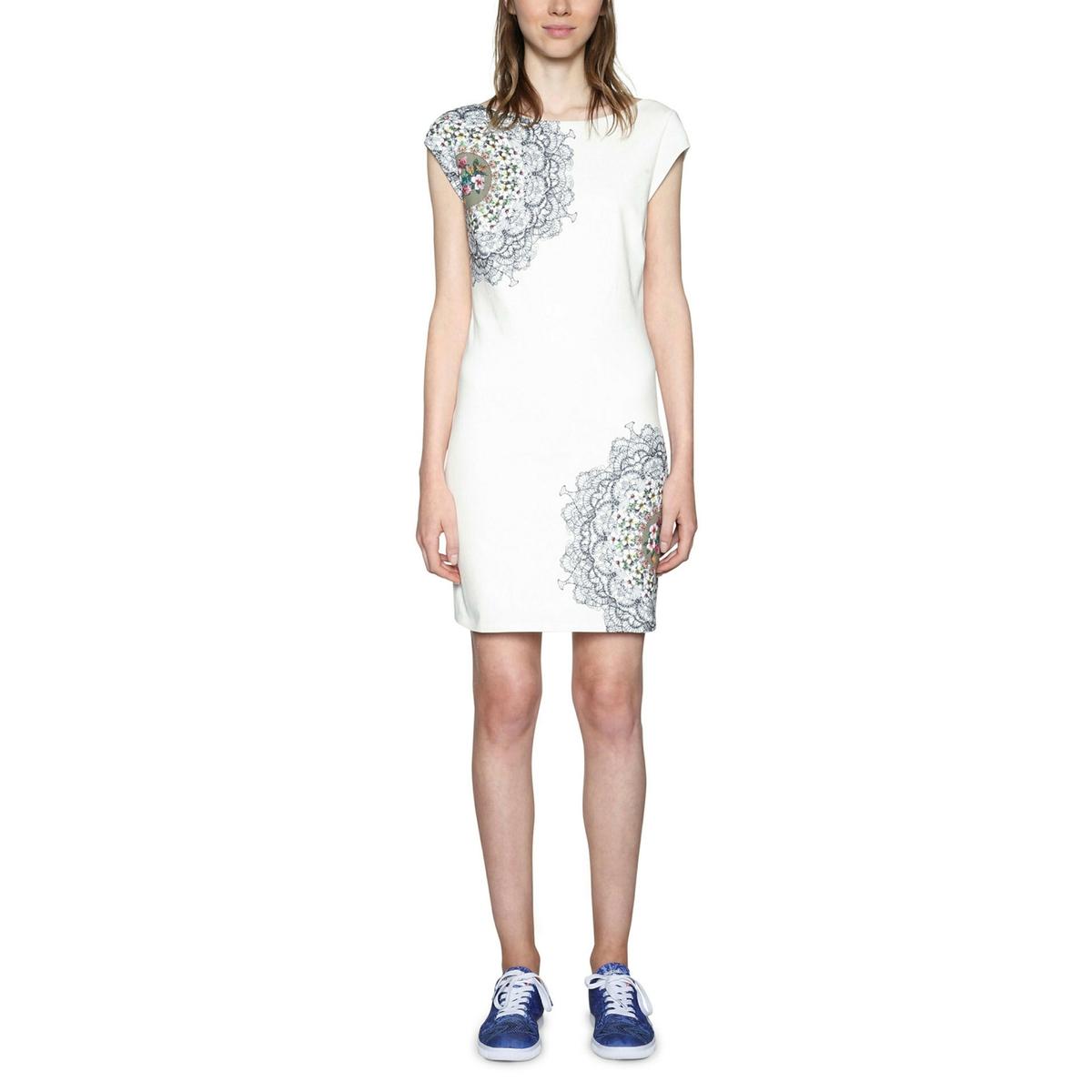 Платье прямое, укороченное с графическим рисунком платье с рисунком vestido conkerberry