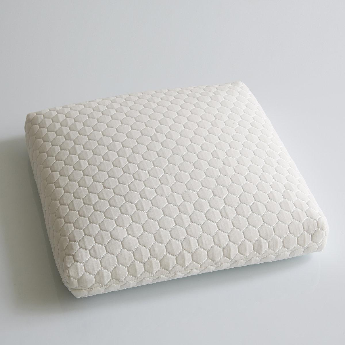Подушка эргономичная Pilo GelДля спокойного и здорового сна выбирайте комфорт подушки Pilo Gel . Невероятно мягкая и качественная подушка с микроперфорацией и прекрасной вентиляцией, ваш сон будет ангельским!Ее вязкоэластичный наполнитель с микроперфорацией и памятью формы, а также с пропускающими воздух гелевыми микрогранулами дарит ощущение непередаваемой свежести.Облегает затылок, поддерживает шейный отдел, принимает любую форму !Описание эргономичной подушки: Внешняя съемная наволочка  70% полиэстера, 30% полиамида.- Застежка на молнию.Внутренний чехол из хлопкового джерси.Машинная стирка 30°C.Характеристики эргономичной подушки: Наполнитель : вязкоэластичный наполнитель на основе геля Aquagel, улучшает отведение влаги и дарит ощущение свежести. Исключает мышечные сокращения и напряжения на шейный отдел позвоночника и обеспечивает ему отличную поддержку . Принимает быстро свою форму и прекрасно подстраивается под вашу морфологию.Съемный чехол  + съемная наволочка.Комфорт : упругаяПродается в прозрачном чехле с ручкой.Найдите всю коллекцию постельных принадлежностей на сайте laredoute.ruРазмеры эргономичной подушки : Модель 1 : 55 x 55 x 13 смМодель 2 : 40 x 60 x 13 см.<br><br>Цвет: белый<br>Размер: 40 x 60 см