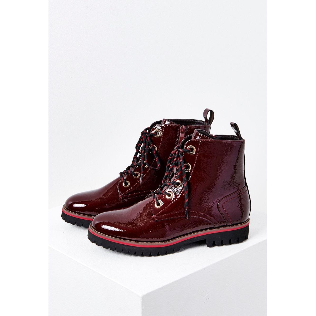Boots montantes vernies