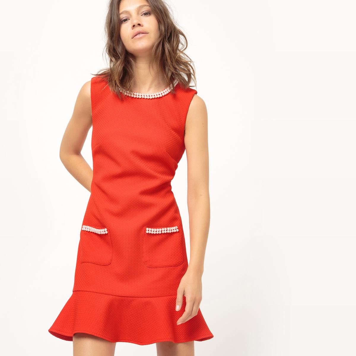 Платье прямое с баскойМатериал : 100% полиэстер   Длина рукава : без рукавов   Форма воротника : круглый вырез  Покрой платья : платье прямого покроя     Рисунок : однотонная модель Длина платья : короткое<br><br>Цвет: красный<br>Размер: S