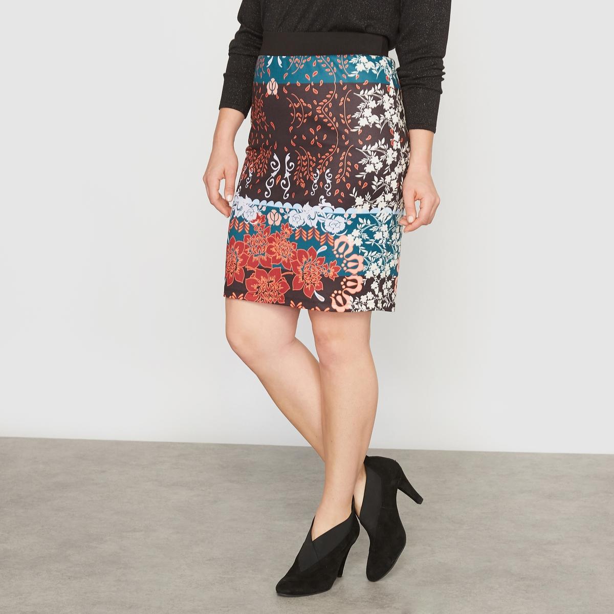 Юбка прямая с рисункомПрямая юбка с рисунком. Рисунок из лоскутов и атласный трикотаж.Красивая отделка : эластичный гладкий пояс черного цвета под креп. Застежка на молнию посередине сзади.С рисунком спереди и сзади.Состав и описание :Материал : эластичный атласный трикотаж 95% полиэстера, 5% эластана, подкладка из трикотажа.Длина : 52 см. Марка : CASTALUNA.Уход : Машинная стирка при 30 °C.<br><br>Цвет: цветочный рисунок<br>Размер: 56 (FR) - 62 (RUS).46 (FR) - 52 (RUS)