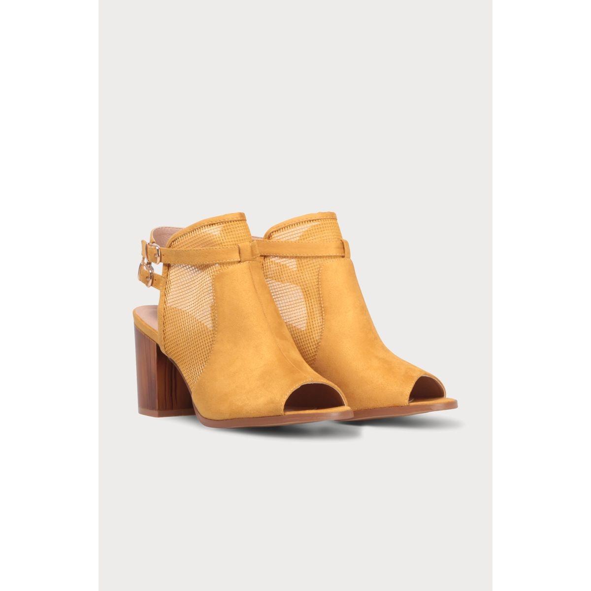 Sandales matière ajourée talons carrés