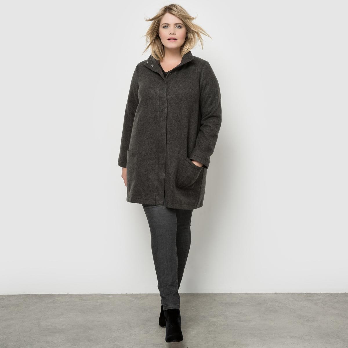 ПальтоЛегкое пальто из меланжевого трикотажа с эффектом валяния. Модный силуэт, прямой и слегка расклешенный покрой,  уютный высокий воротник. Подкладка: матовый атлас. Карманы спереди и супатная застежка на кнопки.<br><br>Цвет: серо-коричневый/каштан,серый/ черный<br>Размер: 44 (FR) - 50 (RUS).48 (FR) - 54 (RUS).52 (FR) - 58 (RUS)