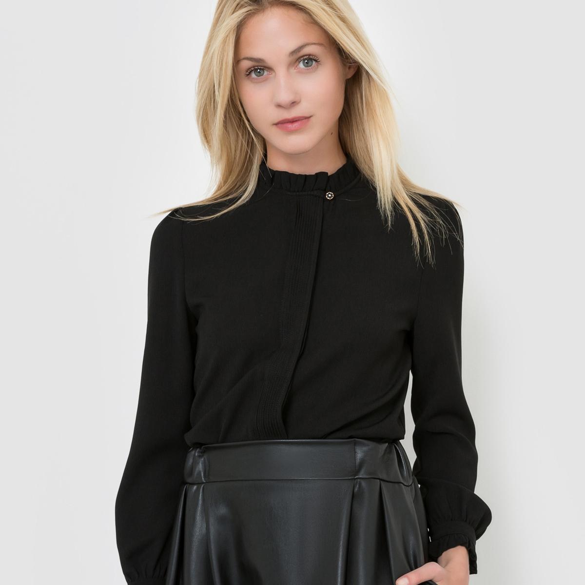 Блузка с воротником-стойка и длинными рукавами
