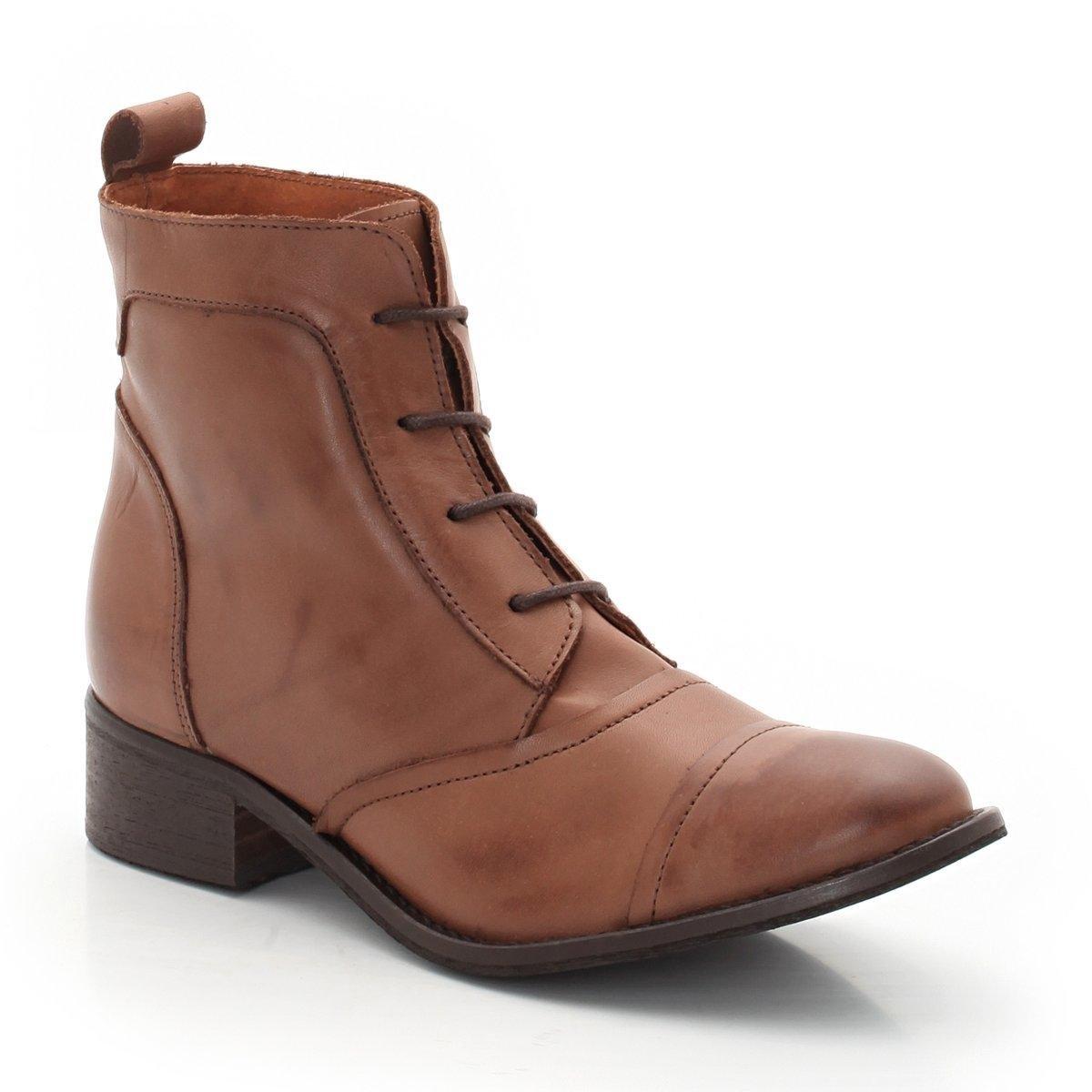 Ботинки кожаные на шнуровкеПреимущества : мягкая кожа, быстро надевать благодаря язычку сзади.<br><br>Цвет: карамель