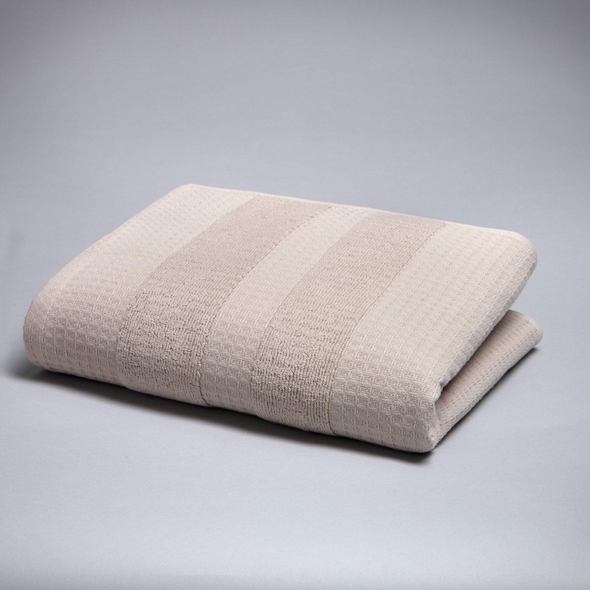 Полотенце, 500 г/м?Мягкая роскошь… Одна сторона с вафельной текстурой и махровой каймой, другая сторона из махровой ткани с вафельной каймой. 100% хлопка, 500 г/м?. Размер: 50 х 100 см. Стирка при 60°.<br><br>Цвет: светло-коричневый,черный<br>Размер: 50 x 100  см.50 x 100  см
