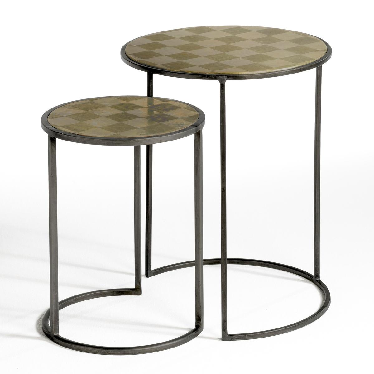 Столик, ?dric (2 шт)Описание : Из искусственно состаренной латуни, с шахматным узором .Размеры : - 30 x 40 x 30 см - 40 x 50 x 40 см<br><br>Цвет: серебристый