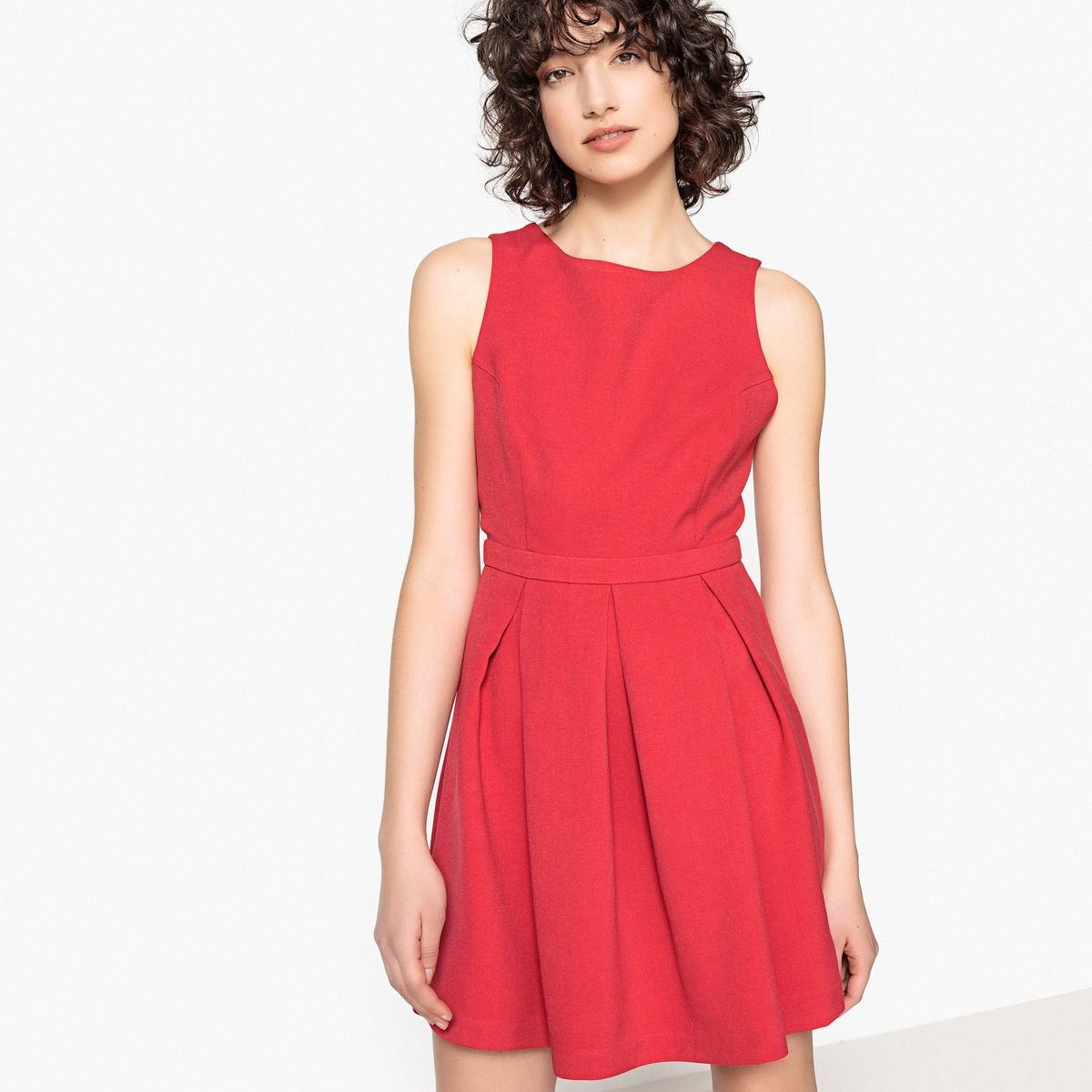 Платье короткое с круглым вырезом и открытой спинкой, без рукавов цена