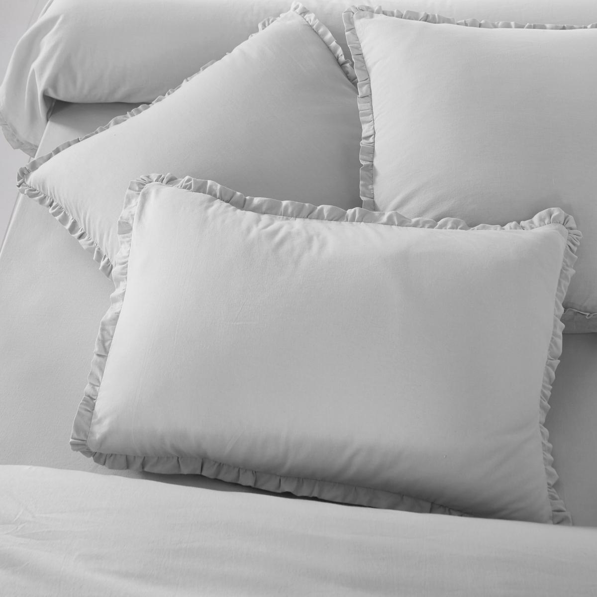 Наволочка Ondina, 40% льнаОписание наволочки Ondina:- Смесовая ткань, 60% хлопка, 40% льна, натурального и прочного материала. Ткань с линялым эффектом для большей мягкости и нежности.Стирка при 60°.- Отделка двойным воланом, со складками.Размеры:50 x 70 см: прямоугольная наволочка.63 x 63 см: квадратная наволочка.85 x 185 см: наволочка на подушку-валик.<br><br>Цвет: светло-серый