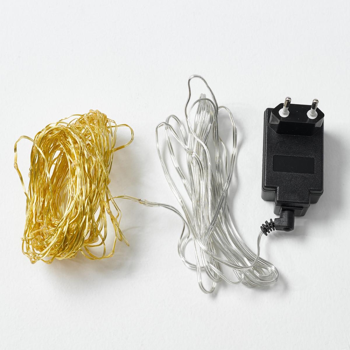 Светодиодная гирлянда OmaraСветодиодная гирлянда Omara. Для создания освещенного пространства… Миниатюрные светодиоды установлены на металлическом кабеле так близко, что кажется, что огни плавают в воздухе.Характеристики :- Покрытие лаком- 125 миниатюрных светодиодов, 6 В, на металлическом кабеле- Не нагревается- Несменные лампы- Поставляется с адаптером 220 В, длина провода 3 м.    Размеры :- Длина 154 см<br><br>Цвет: латунь