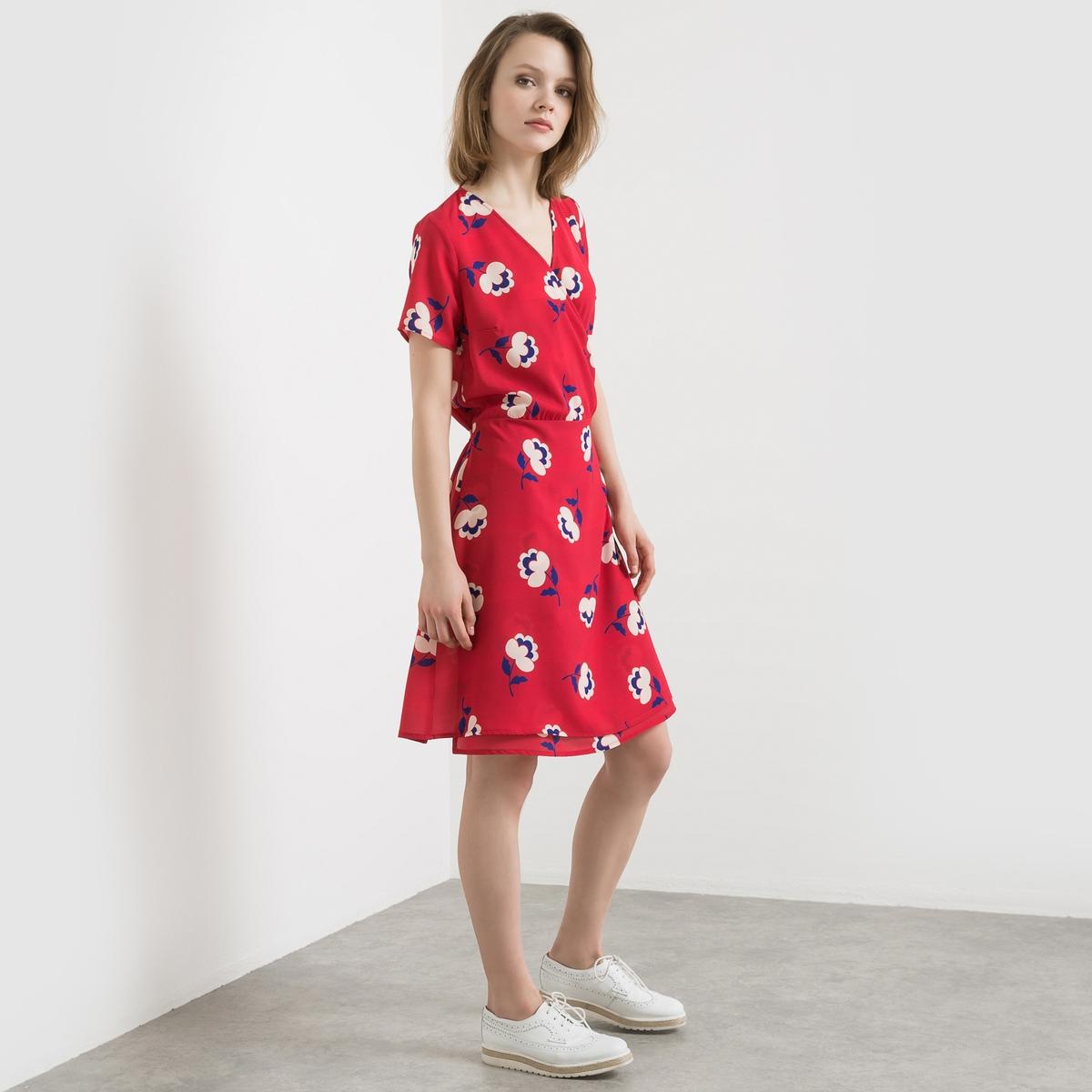 Платье с рисункомПлатье с рисунком, модель с нахлёстом. Ультра женственная модель с V-образным вырезом и нахлёстом спереди. Короткие рукава. Пояс с завязками сбоку.Состав и описаниеМатериал: 97% полиэстера, 3% эластанаДлина 95 смБренд: Mademoiselle R<br><br>Цвет: красный наб. рисунок<br>Размер: 34 (FR) - 40 (RUS).42 (FR) - 48 (RUS)