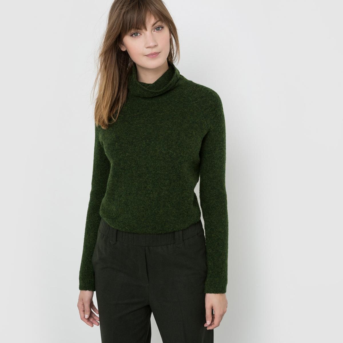 Пуловер с высоким воротникомСостав и описание : Материал : 62% акрила, 28% полиамида, 8% шерсти, 2% эластана.Длина : 60 смМарка : R studio.Уход :Машинная стирка при 30 °C с вещами схожих цветовСушить на горизонтальной поверхности в расправленном состоянии<br><br>Цвет: зеленый мох<br>Размер: 42/44 (FR) - 48/50 (RUS)