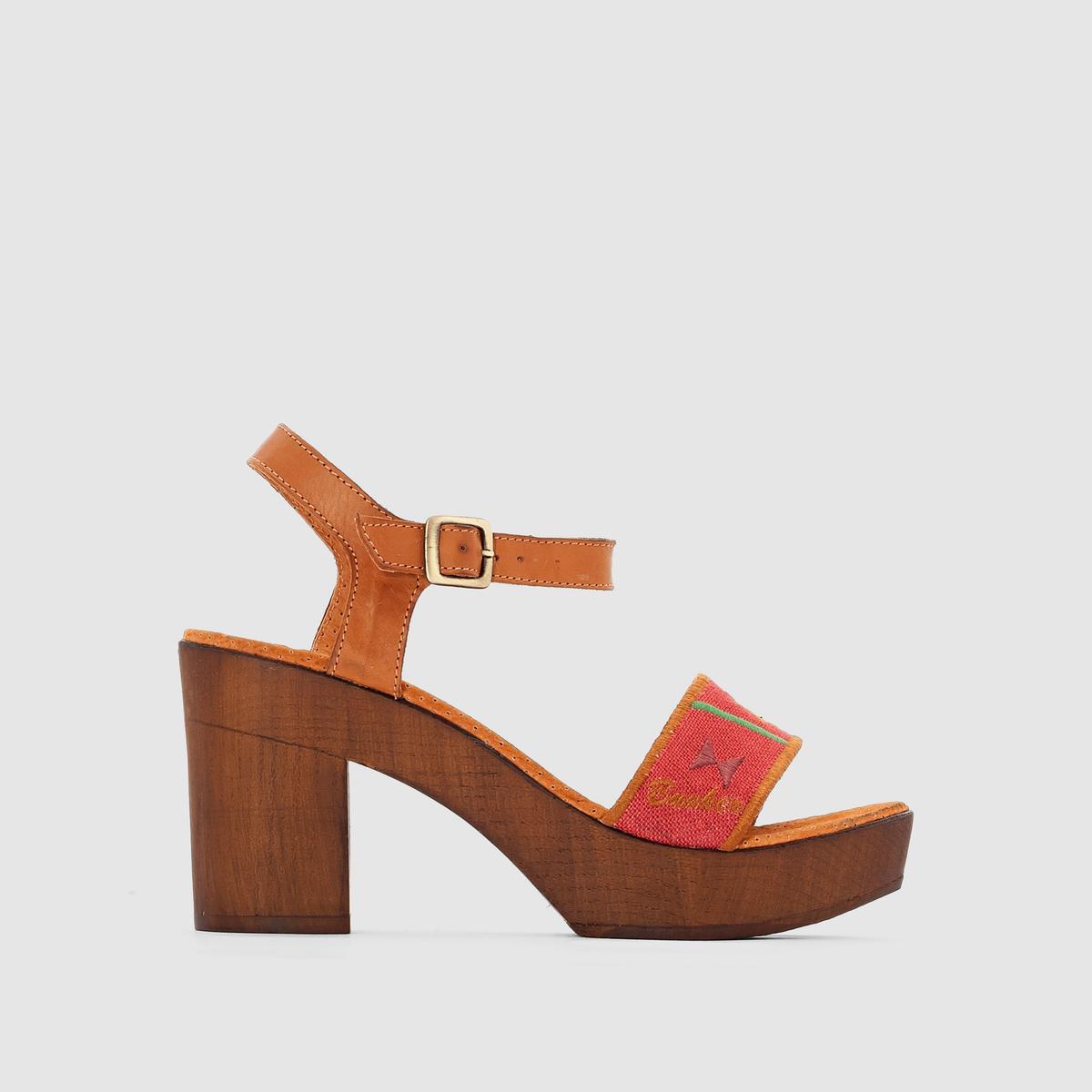 Босоножки на каблуке и подошве-платформеУльтра-женственные и комфортные босоножки благодаря подошве-платформе и высокому каблуку... !<br><br>Цвет: красный наб. рисунок<br>Размер: 37.38