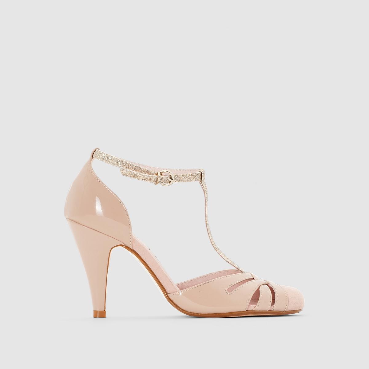 Туфлина каблуке с ремешкомМарка : Mademoiselle R Верх : синтетикаПодкладка : кожаСтелька : кожаПодошва : из эластомера Высота каблука : 9 смЗастежка : ремешок с пряжкойПреимущества : открытый носок, высокий и тонкий каблук.<br><br>Цвет: телесный<br>Размер: 40