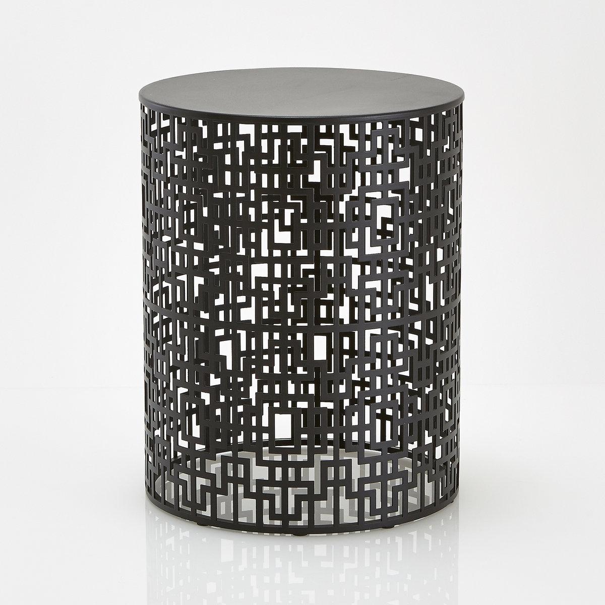 Столик журнальный из ажурного металла, GUEISHIСтолик журнальный из ажурного металла, GEISHI . Экзотичный и элегантный столик с китайскими мотивам, созданные La redoute . Может использоваться в разных целях, что является еще одним преимуществомего можно использовать, как низкий стол, журнальный, прикроватный столик и в других вариантах в зависимости от ваших потребностей   .Характеристики столика: столик с китайскими мотивами из лакированной стали с эпоксидным покрытием . Пластиковые ножки .Размеры столика :Общие :Ширина : 404 мм Высота : 520 мм Глубина : 404 мм Размеры и вес ящика :1 упаковка485 x 600 x 485 мм, 9.25 кгДоставка :Столик продается в собранном виде . Доставка будет осуществлена до квартиры !Внимание ! Убедитесь, что посылку возможно доставить на дом, учитывая ее габариты:<br><br>Цвет: золотистый,черный