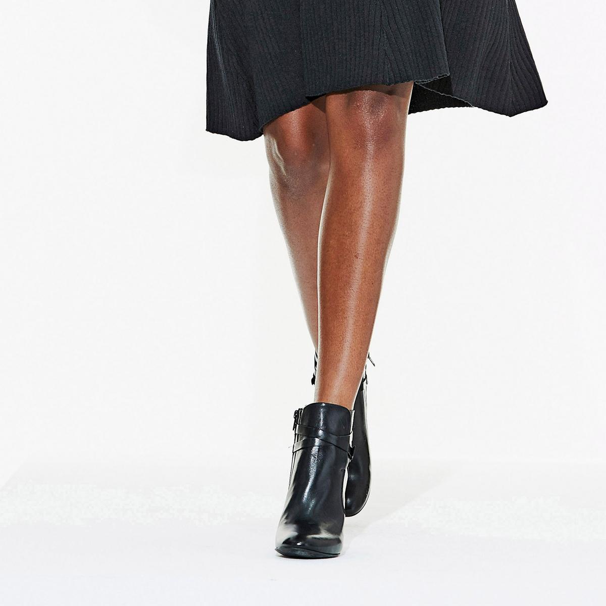 Ботильоны кожаные на каблуке с перекрещивающимися ремешкамиОписание:Детали •  Высота голенища : 10 см, размер 37  •  Высота каблука : 9 см •  Застежка : на молнию •  Круглый мысок •  Гладкая отделкаСостав и уход •  Верх 100% замша •  Подкладка 100% кожа •  Стелька 100% кожа •  Подошва 100% эластомер •  Сделано в Португалии<br><br>Цвет: темно-бежевый,черный<br>Размер: 35.39.37.36.35.40.38.36.38