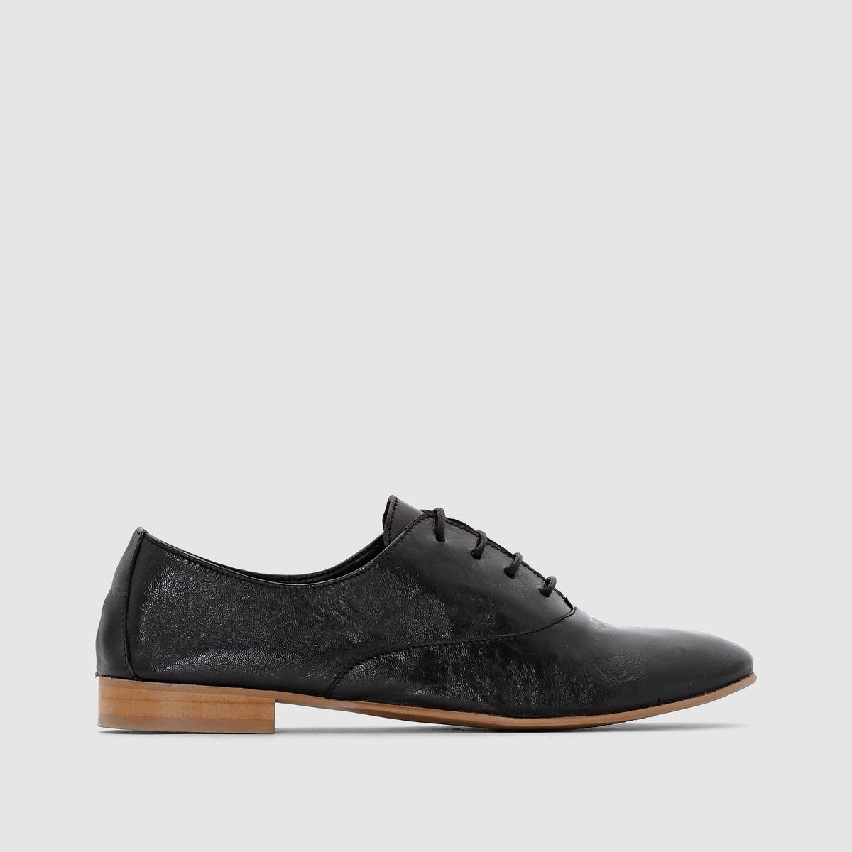 Ботинки-дерби из мягкой кожиДетали   •  Ботинки-дерби •  Высота каблука : 0 см •  Застежка : шнуровка •  Круглый мысок •  Гладкая отделкаСостав и уход   •  Верх 100% кожа •  Подкладка 100% кожа<br><br>Цвет: черный<br>Размер: 39.42.41.37.36