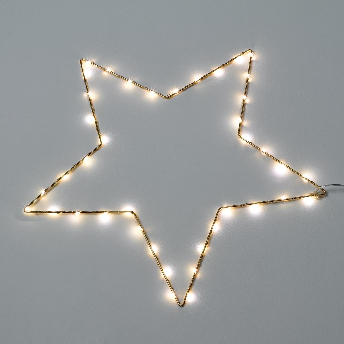 Светодиодный светильник в форме звезды, OmaraСветильник Omara. Светящаяся гирлянда в форме звезды. Поэтичный и декоративный светильник понравится малышам.Характеристики :- 40 миниатюрных светодиодов, 3 В, на металлическом кабеле- Не нагревается- Несменные лампы- Поставляется с адаптером 220 В, длина провода 3 м. - Без выключателя   Размеры :- Ш.50 x В.50 x Г.0,5 см.<br><br>Цвет: латунь<br>Размер: единый размер