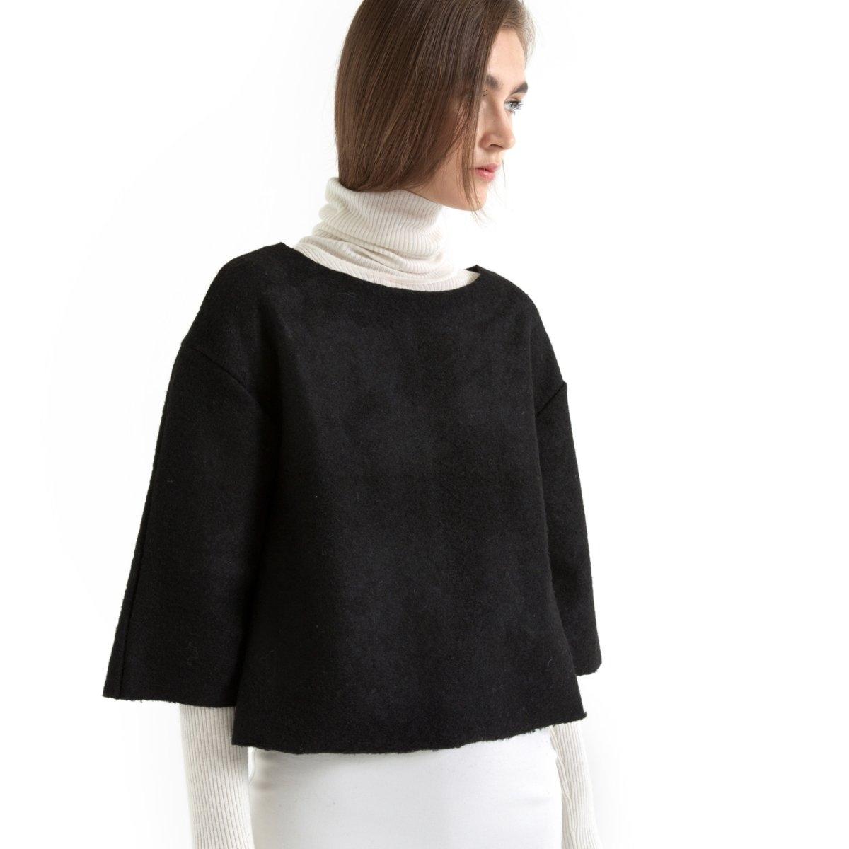 Пуловер короткий, 30% шерстиПуловер короткий: 70% полиэстер, 30% шерсть. Длина: 56 см.<br><br>Цвет: черный<br>Размер: 38/40 (FR) - 44/46 (RUS).42/44 (FR) - 48/50 (RUS)