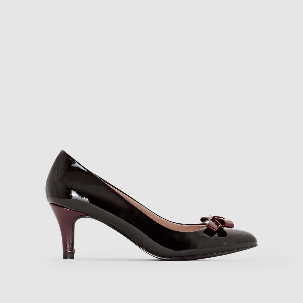 Туфли лакированные, маленький оригинальный бантикТуфли Anne Weyburn, маленький оригинальный бантик контрастного бордового цвета вверху. Каблук контрастного бордового цвета.Верх : лакированная кожаПодкладка : кожа Стелька : кожа Подошва : из эластомераВысота каблука : 6 см<br><br>Цвет: черный<br>Размер: 39