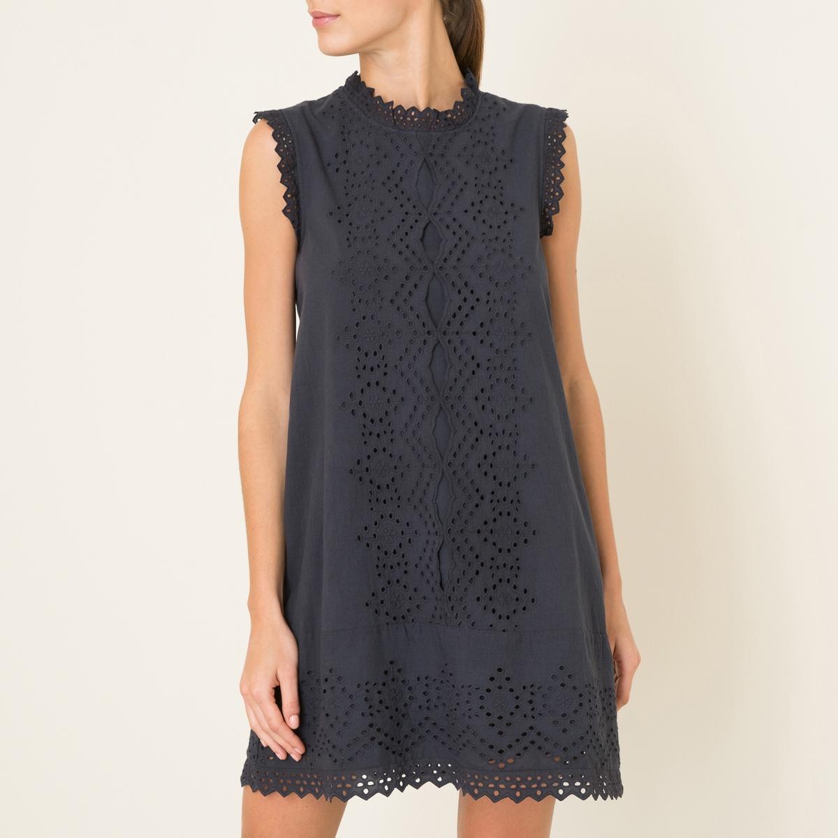 Платье с английской вышивкойСостав и описание    Материал : 100% хлопок   Подкладка 100% хлопок   Длина : 92 см. для размера 36   Марка : HARTFORD<br><br>Цвет: темно-синий<br>Размер: 3(L)