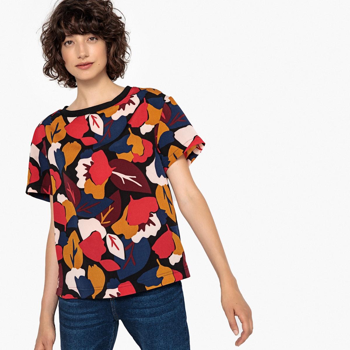 Blusa estampada con cuello redondo y manga corta
