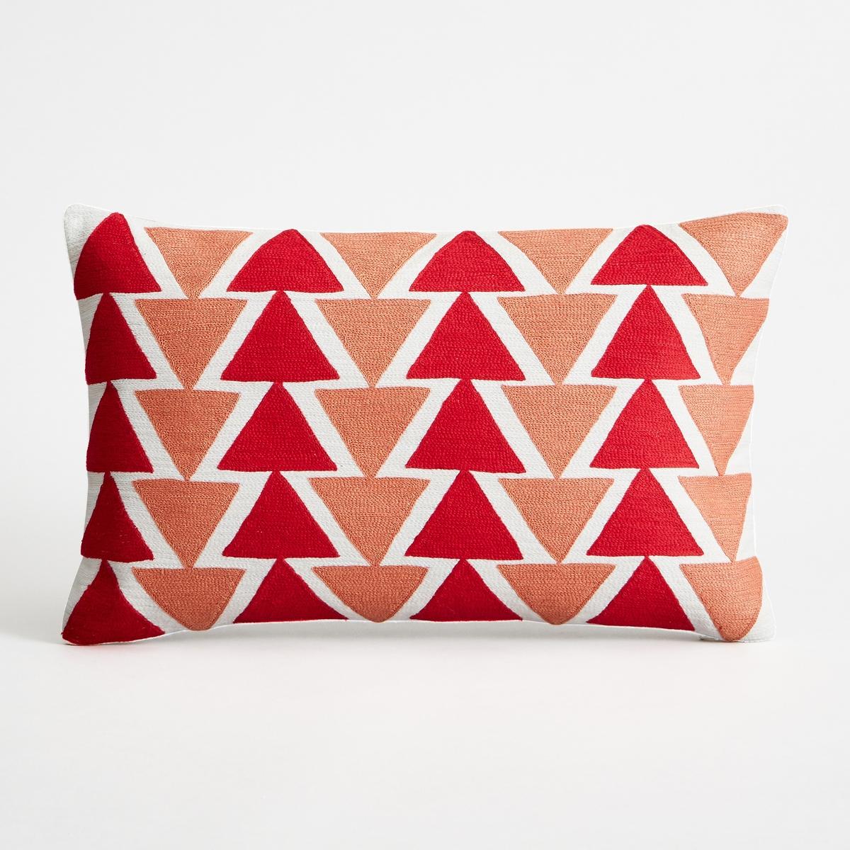 Наволочка на подушку-валик TriangoloНаволочка на подушку-валик Triangolo. Красивый вышитый рисунок в виде треугольника. 100% хлопок. Однотонная оборотная сторона. Застежка на скрытую молнию сзади. Размеры : 50 x 30 см. Подушка продается отдельно.<br><br>Цвет: красный<br>Размер: 50 x 30 см