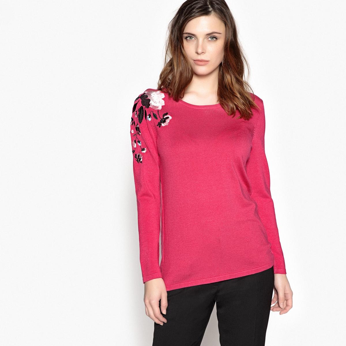 Пуловер с круглым вырезом и вышивкойОписание:Очень женственный пуловер с вышивкой спереди из тонкого трикотажа. Модно носить с юбкой или брюками.Детали •  Длинные рукава •  Круглый вырез •  Тонкий трикотажСостав и уход •  80% вискозы, 20% полиамида •  Температура стирки 30° на деликатном режиме   •  Сухая чистка и отбеливатели запрещены •  Не использовать барабанную сушку •  Низкая температура глажки •  Приспущенные проймы. Края выреза, низа и рукавов связаны трубчатой вязкой.  •  Длина  : 64 см<br><br>Цвет: фуксия<br>Размер: 38/40 (FR) - 44/46 (RUS).46/48 (FR) - 52/54 (RUS).42/44 (FR) - 48/50 (RUS)