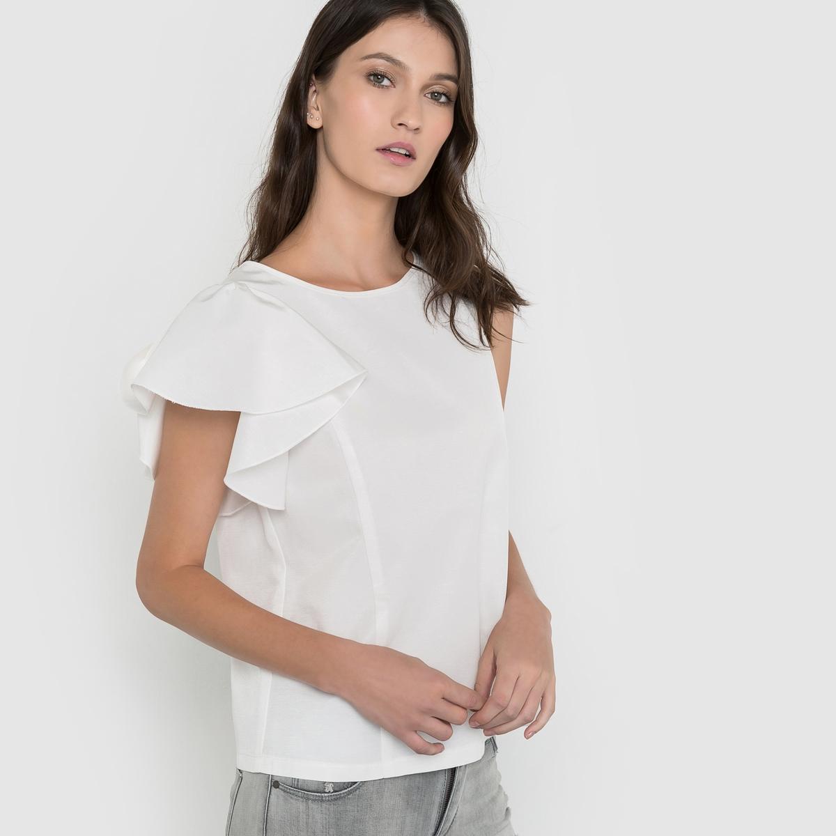 Блузка асимметричная с воланами на рукаве