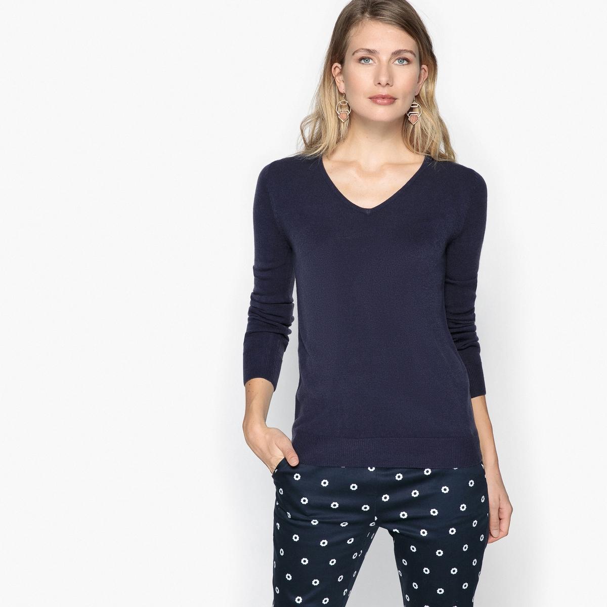 Пуловер с V-образным вырезом из мягкого тонкого трикотажа