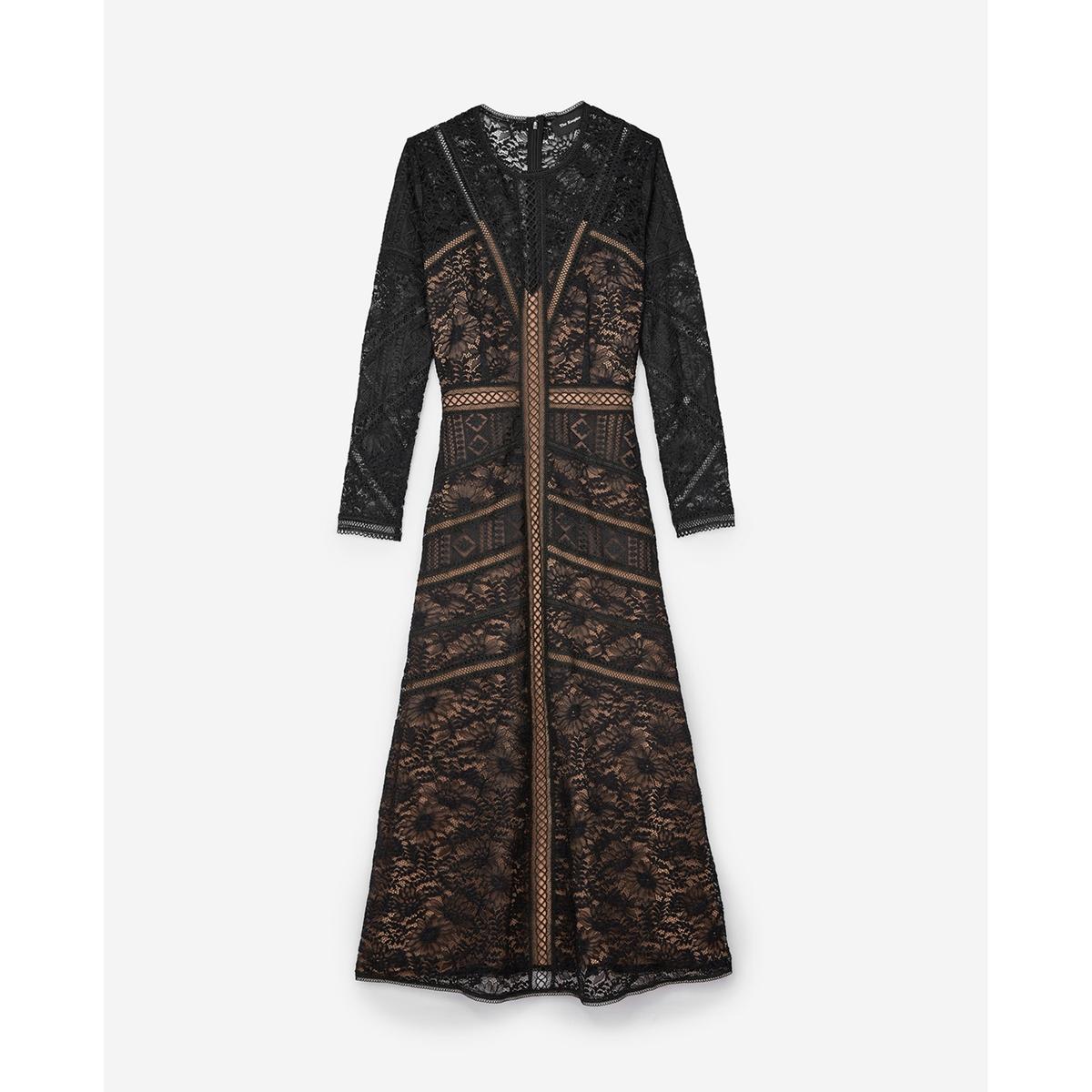Платье длинное с принтомОписание:Платье с длинными рукавами THE KOOPLES из вышитого кружева и с графическими узорами . Ажурная окантовка на поясе и контрастная подкладка телесного цвета .Детали •  Длинные рукава    •  Круглый вырез •  Рисунок-принтСостав и уход •  66% полиамида, 29% хлопка, 5% вискозы  •  Подкладка : 100% полиэстер  •  кружево: 100% полиэстер, 50% полиамида 50% полиэстера  •  Следуйте советам по уходу, указанным на этикетке<br><br>Цвет: черный<br>Размер: M.S
