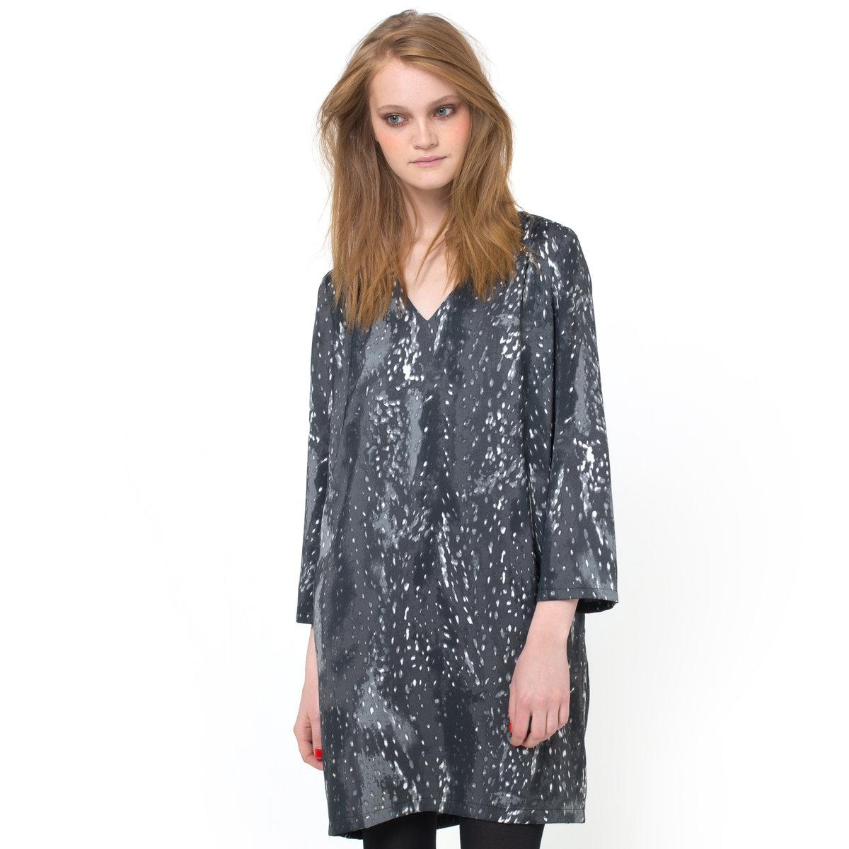Платье с рисункомПлатье SEE U SOON, 95% полиэстера, 5% эластана. Подкладка из 95% полиэстера, 5% эластана. Рукава 3/4. Карманы по бокам. Небольшие складки на плечах. Длина 85 см.<br><br>Цвет: белый/ черный<br>Размер: 36 (FR) - 42 (RUS)
