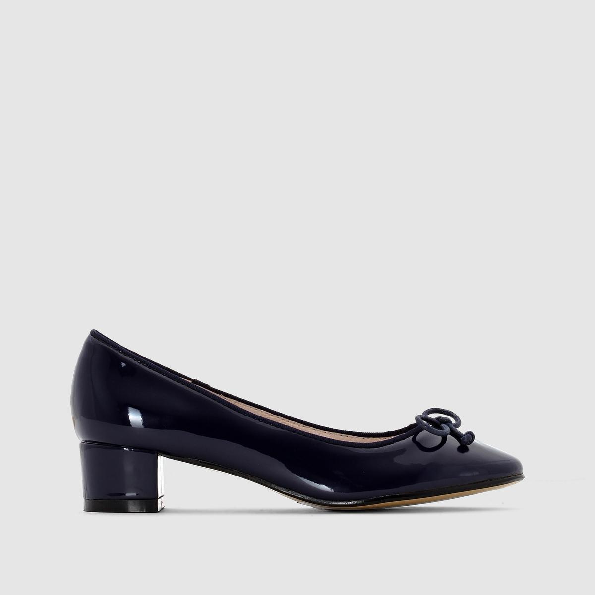 БалеткиМы советуем выбирать обувь на размер больше, чем ваш обычный размер  .<br><br>Цвет: телесный,темно-синий<br>Размер: 37.40