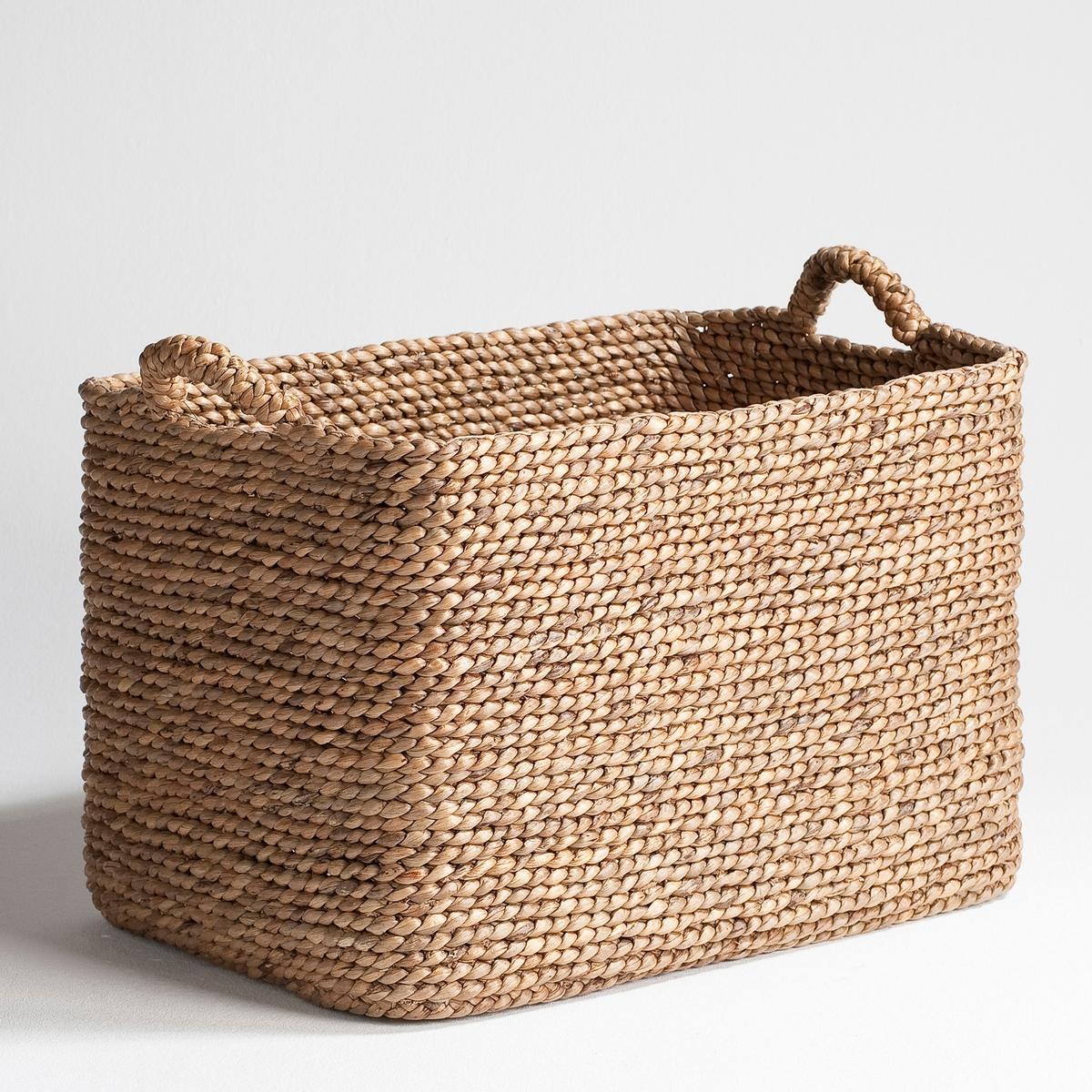 Плетеная корзина Raga прямоугольной формыПрактичная и красивая плетеная корзина прямоугольной формы займет достойное место в гостиной, чтобы хранить журналы, в спальне, чтобы хранить белье или игрушки. Из плетеных волокон эйхорнии. Ш.50 x Г.35 x В.35 см.  Произведено вручную.<br><br>Цвет: серо-бежевый