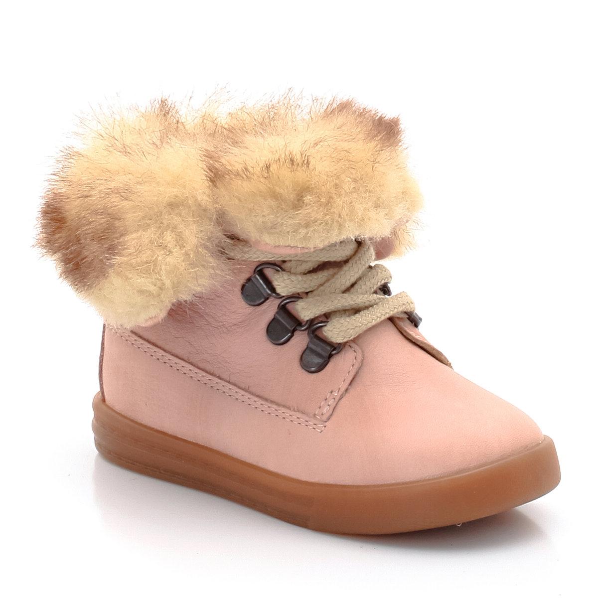 Ботинки из кожи, с отворотами из искусственного мехаНевероятно красивые и уютные кожаные ботинки R Baby с отворотами из искусственного меха для прогулок с вашими дочками!<br><br>Цвет: розовый<br>Размер: 21.23