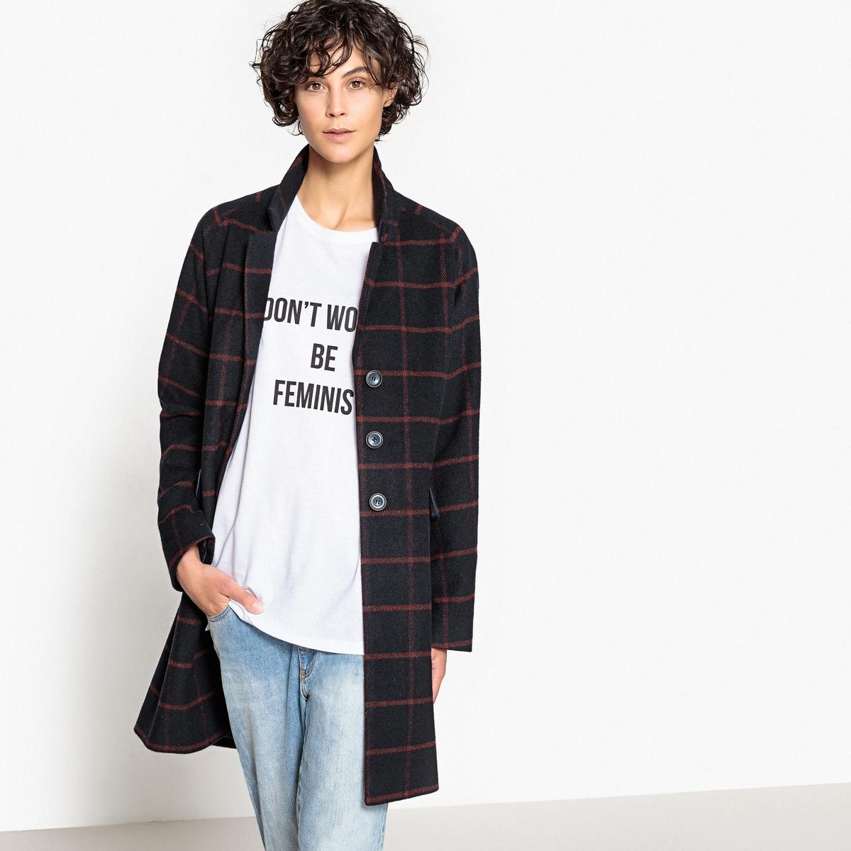 Пальто женское прямого покроя в мужском стилеОписание:Замечательный покрой, качественная ткань в клетку, пальто в мужском стиле является одним из модных предметов гардероба этой зимой. Идеальное демисезонное пальто.Детали •  Длина : средняя •  Воротник пиджачный •  Рисунок в клетку • Застежка на пуговицыСостав и уход •  25% шерсти, 45% акрила, 5% других волокон, 25% полиэстера •  Следуйте рекомендациям по уходу, указанным на этикетке изделия •  Длина : 90 см<br><br>Цвет: в клетку темно-синий/бордовый