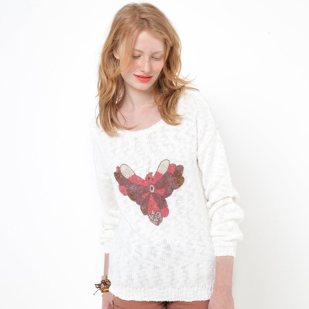 Пуловер с длинными рукавамиПуловер. 84% хлопка, 16% акрила. Длинные рукава. Украшение с бусинами. Длина 62 см.<br><br>Цвет: экрю<br>Размер: 38/40 (FR) - 44/46 (RUS)