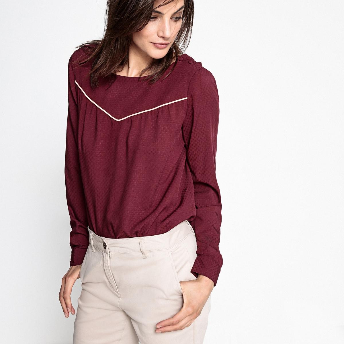 Блузка с V-образным вырезом и контрастным кантом на груди