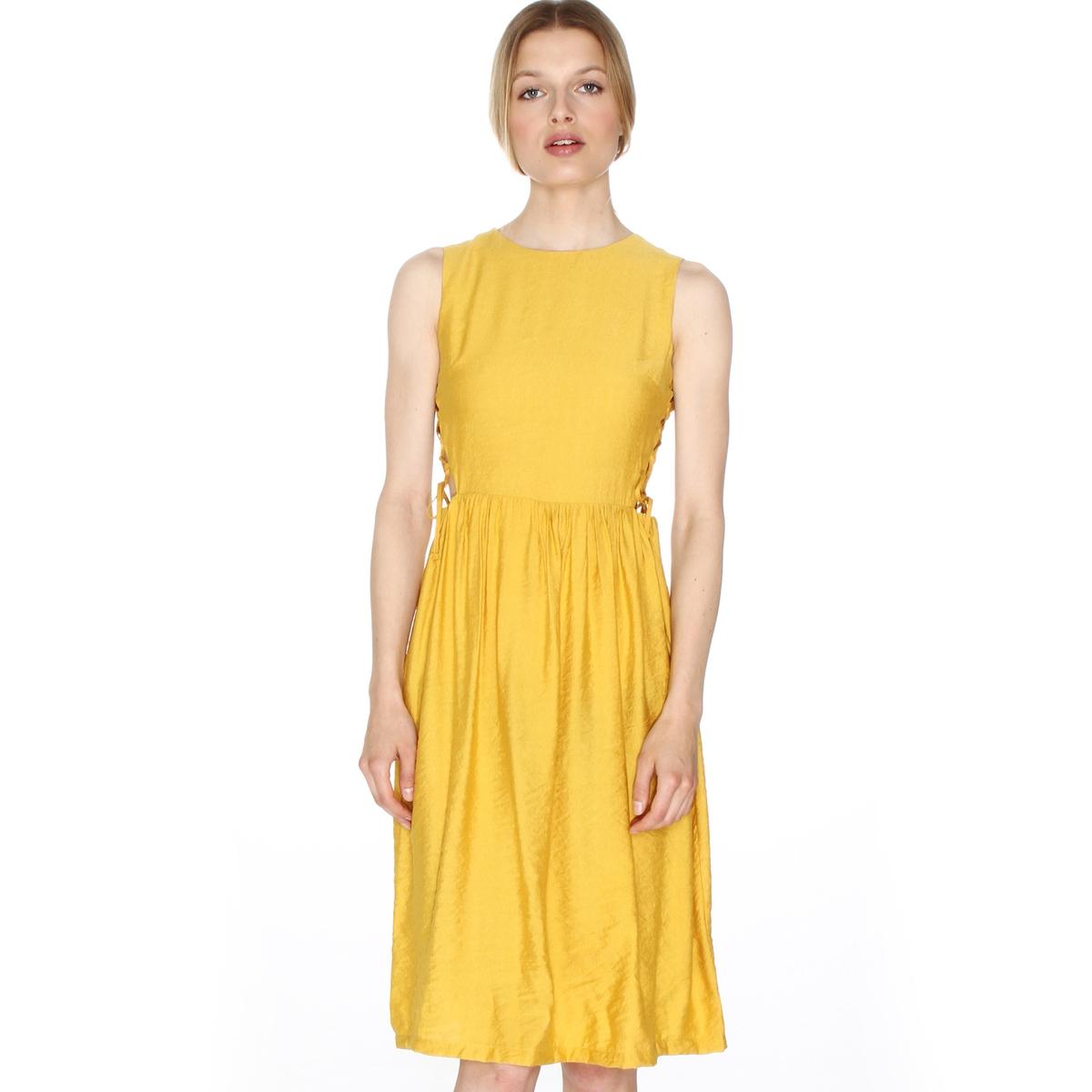 Платье расклешенное без рукавов, на шнуровке сбокуМатериал : 45% полиамида, 55% полиэстера  Длина рукава : тонкие бретели  Форма воротника : круглый вырез Покрой платья : расклешенное платье Рисунок : однотонная модель   Длина платья : до колен<br><br>Цвет: желтый горчичный